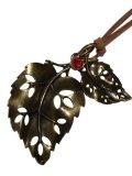 【送料無料】【レザーネックレス】◆flower storm◆大人向け♪透かしダブルリーフ 木の葉とガラスストーンの革ひもネックレス☆アンティークゴールド 2色