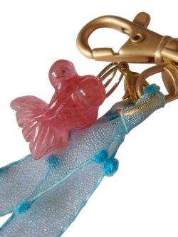 画像3: 【送料無料】【キーリング/バッグチャーム】◆flower storm◆ゆらゆら 涼しげ、水中を泳ぐ天然石の金魚&水色のリボン(パワー  ストーン )CJ